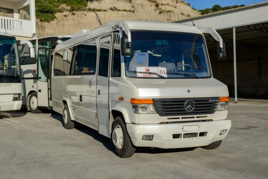 MERCEDES VARIO WHITE – 22 SEATER