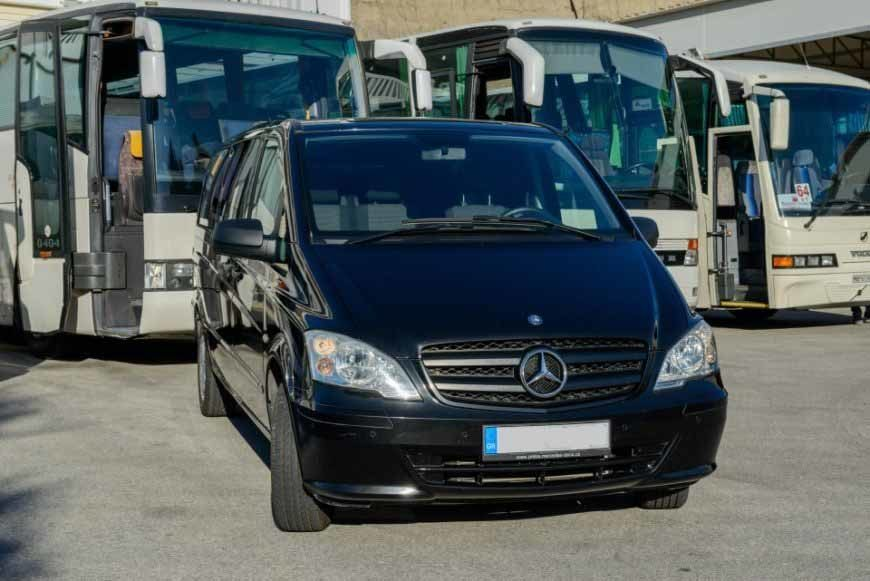 MERCEDES VITO BLACK VIP – 8 SEATER